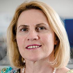 Claudia Gilles, Branchenpreise ausloben