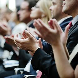 Experten in der Jury, Branchenpreise ausloben